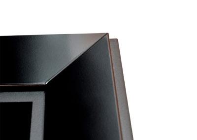 frame 900-black-1